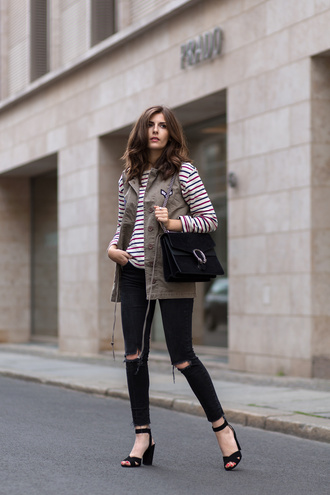 simple et chic blogger jacket bag shoes long sleeves stripes sleeveless black bag black jeans ripped jeans thick heel black heels streetstyle black ripped jeans mango gucci sandal heels