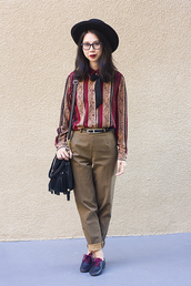 fancy giraffe,shirt,pants,shoes,hat