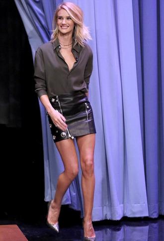 skirt rosie huntington-whiteley blouse leather skirt pumps