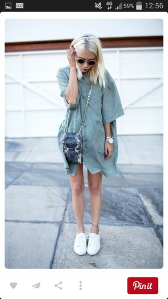 dress blue white shirt shirt dress vintage hipster beautiful style flannel shirt cute tumblr outfit pretty oversized shirt blue shirt round sunglasses white sneakers chain bag python bag 90s style summer outfits