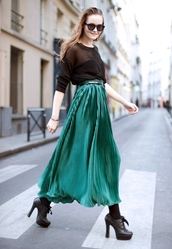 oversized,mia,miamarionette,black sweater,sweater,skirt,long skirt,maxi skirt,pleated skirt