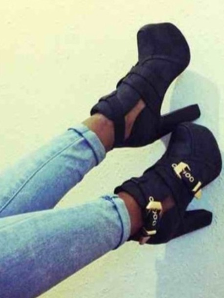 Shoes: chunky heels black cut out boots buckle boots black