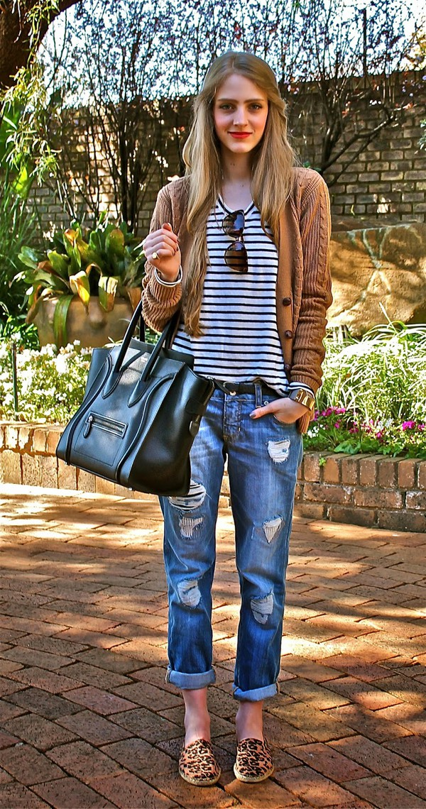 fashionable passion blogger top jeans shoes cardigan bag sunglasses