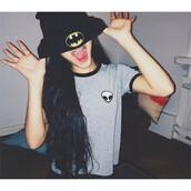t-shirt,beautiful halo,alien,hipster,tumblr,style,streetstyle,fashion,batman