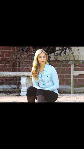 shirt denim button up light blue denim shirt light denim shirt laura vandervoort bitten 1x02 black buttons black jeans blonde hair outdoors shoes leggings