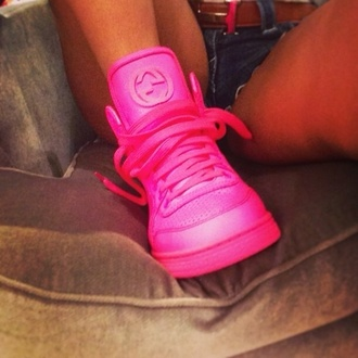 shoes pink pink shoes gucci gucci shoes shorts love more pink hot pink sneakers neon pink lovee
