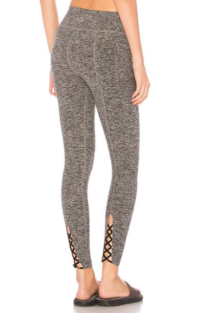 Beyond Yoga cross back midi pants