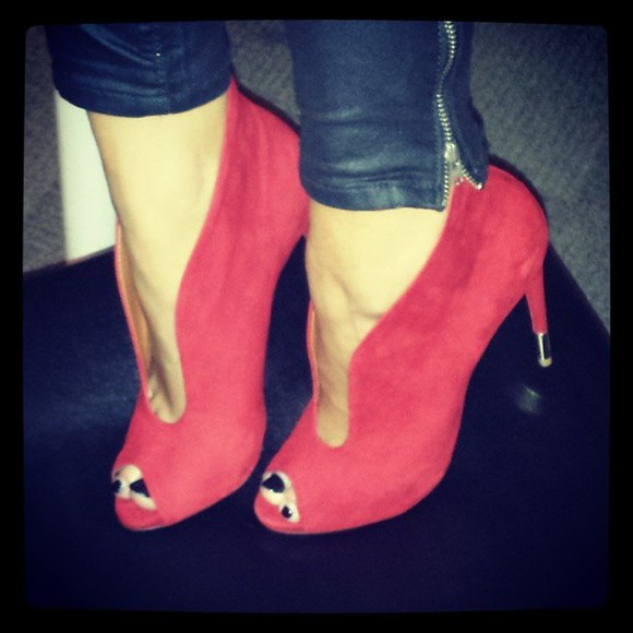 red shoes shoes