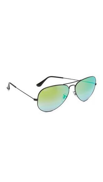 oversized shiny sunglasses aviator sunglasses black green