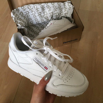 shoes sneakers reebok reebok classics white sneakers