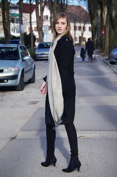 katiquette blogger coat pants scarf