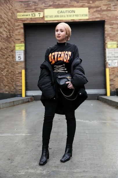 jacket nyfw 2017 fashion week 2017 fashion week streetstyle black jacket puffer jacket sweatshirt black sweatshirt denim jeans black jeans skinny jeans black skinny jeans boots black boots bag black bag