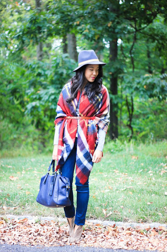 refined couture blogger sweater jeans scarf hat bag belt shoes