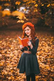the clothes,blogger,dress,jewels,shoes,fall outfits,beret,blue dress