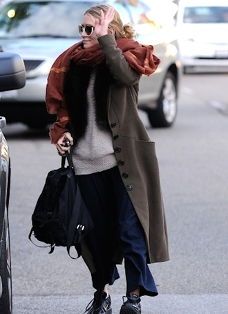 blogger olsen sisters scarf coat