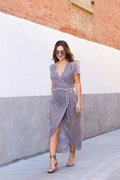 carriebradshawlied,blogger,dress,jewels,shoes,bag,sunglasses,wrap dress,grey dress,high heel sandals,sandals,midi dress,midi wrap dress