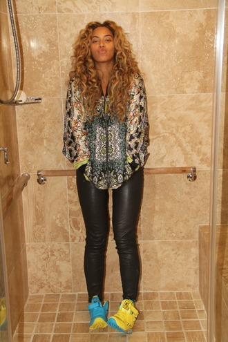 beyonce shirt leather nikes adidas shoes celebrity style celebrity beautiful perfecto curly hair shoes pants jacket underwear blouse
