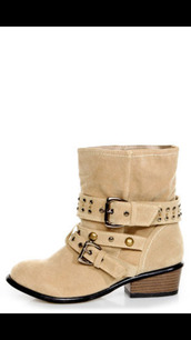 shoes,beige shoes,combat boots,studded shoes,belted