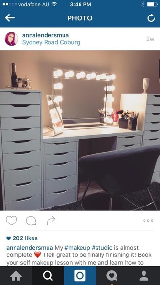 home accessory makeup table dressing table
