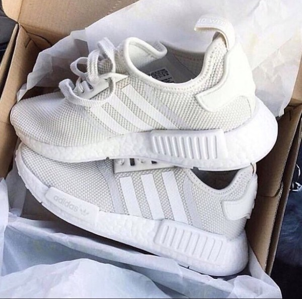 NWT Adidas NMD R1 Gray Sneaker Running Cross Trainer Shoes