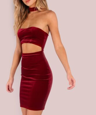 dress girl girly girly wishlist bodycon bodycon dress mini mini dress choker dress cut-out red red dress velvet velvet dress sleeveless sleeveless dress off the shoulder off the shoulder dress red velvet dress