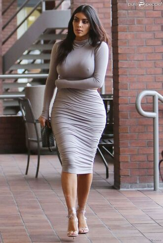 grey two-piece kim kardashian beautiful grey dress fashion shoes dress