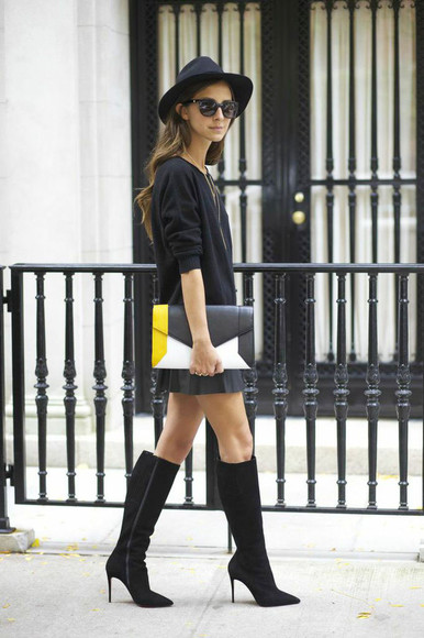 clutch bag blogger black boots jewels sunglasses fall outfits something navy colorblock pleated skirt