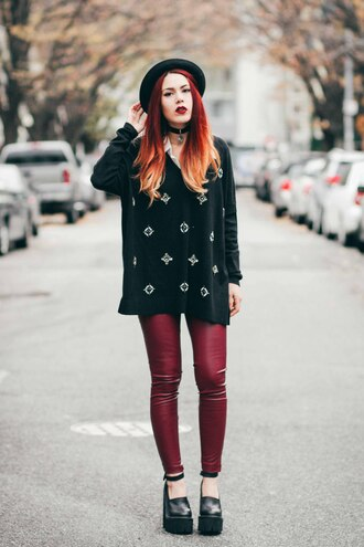 le happy blogger grunge hat skinny pants oversized sweater embellished platform shoes