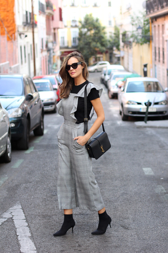jumpsuit tumblr cropped jumpsuit grey jumpsuit boots black boots bag black bag t-shirt sunglasses ruffle