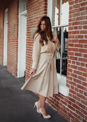 mint arrow,blogger,shoes,dress,pants,shirt,high heel pumps,midi skirt,beige skirt,beige shirt,fall outfits