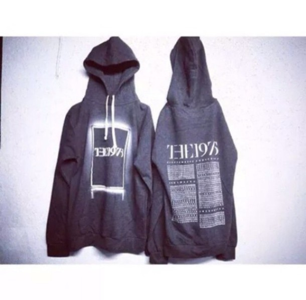 blouse hoodie the 1975
