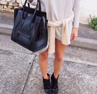 dress tee shirt grey gray long sleeves boots black shoes sweater neutral girl outfit t-shirt long sleeved dresses bag