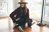 natalie off duty,blogger,hat,pointed toe,burgundy,faux fur,coat,skirt,shoes