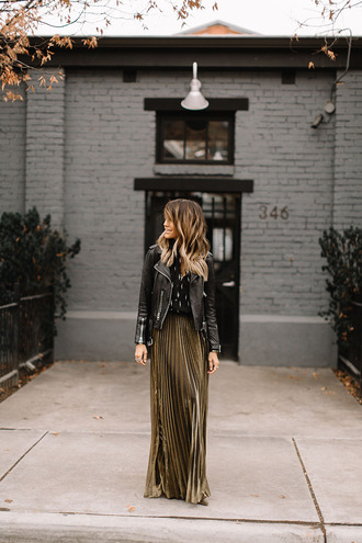 styled avenue blogger jacket skirt shoes top jewels black leather jacket pleated skirt maxi skirt