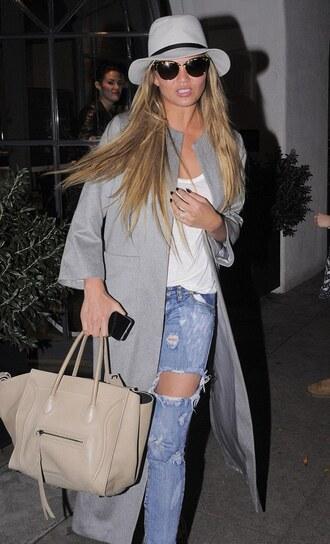jeans boyfriend jeans chrissy teigen bag hat