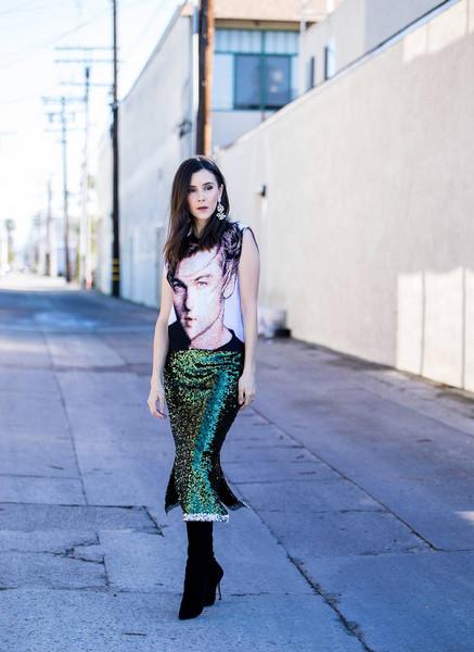 inspades blogger sweater skirt jewels shoes leonardo dicaprio green skirt