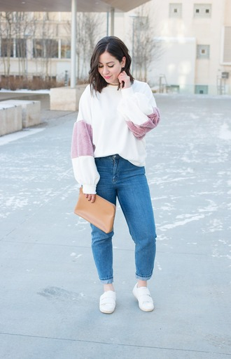 adventures in fashion blogger sweater jeans shoes bag blouse clutch spring outfits
