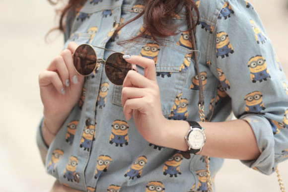 shirt blue denim mignon yellow sunglasses