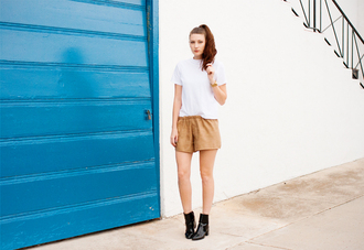 these days blogger top shorts shoes