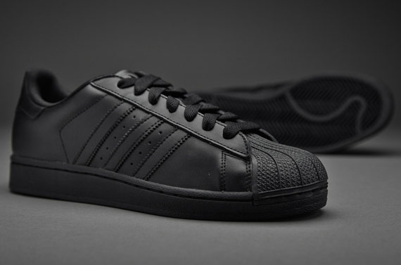 0ae7ae004a9e adidas originals black