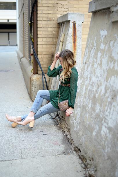 blonde bedhead blogger top jeans shoes bag shorts