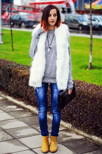 beauty insanity blogger grey sweater faux fur vest crystal quartz jewels jacket bag shoes