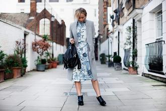 happily grey blogger floral dress grey coat backpack