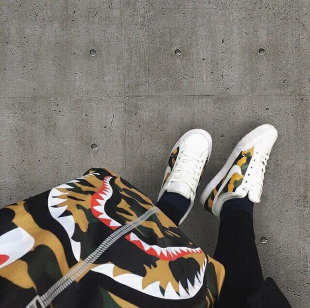 shoes camouflage sneakers sportswear white black menswear women women girl green bape sneakers