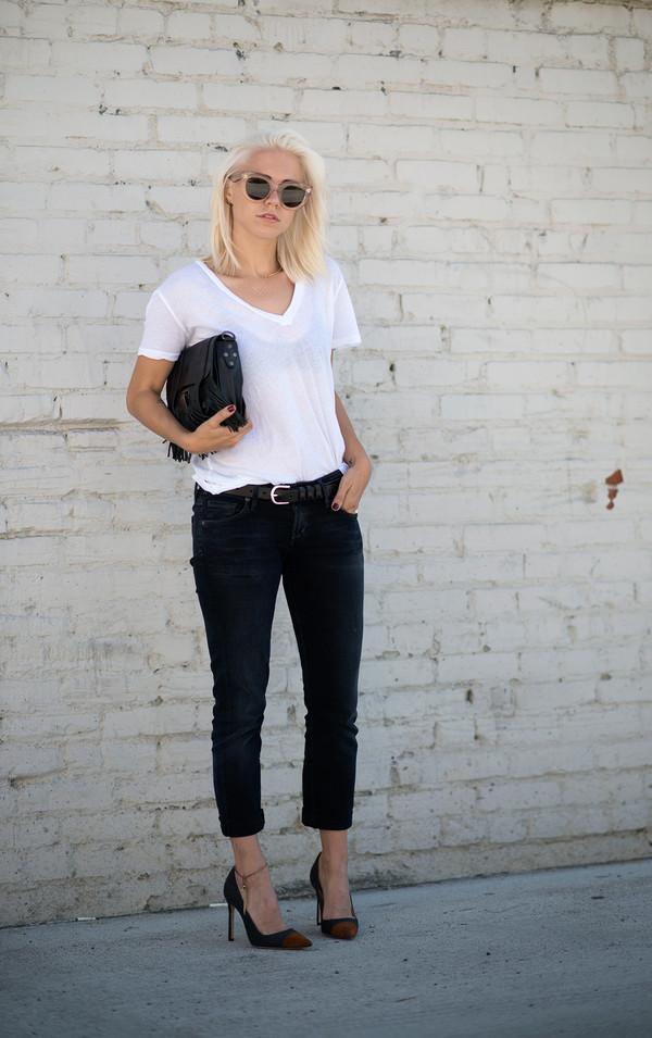 always judging blogger t-shirt belt jeans shoes bag sunglasses