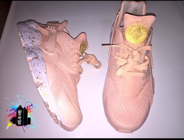 watch a90ef 3a80f shoes nike pink gold huarache pink sneakers