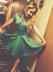 green,dress,sabrina carpenter,disney,cruise,emerald green,forest green