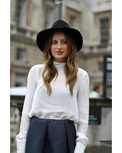 Spotted On Celeb | JANESSA LEONE ISIS HAT SPOTTED ON KHLOE KARDASHIAN & ROSIE FORTESCUE