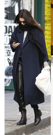 coat,kendall jenner,fall outfits,pants,scarf,leather pants,boyfriend coat