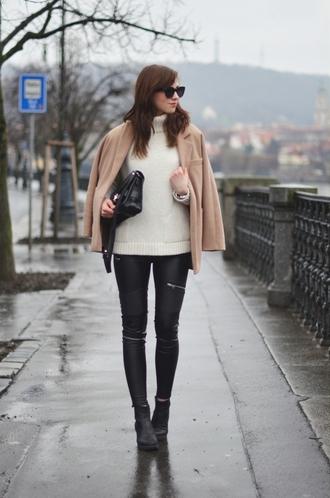 vogue haus blogger skinny pants leather pants camel turtleneck
